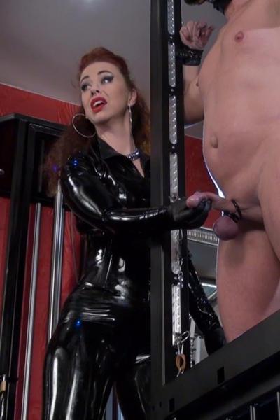 Latex Girl SOPHIA testing slave