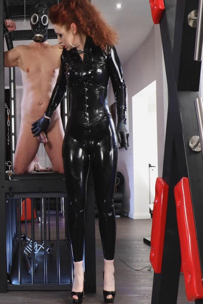 Lady SOPHIA with oiled Latex dress